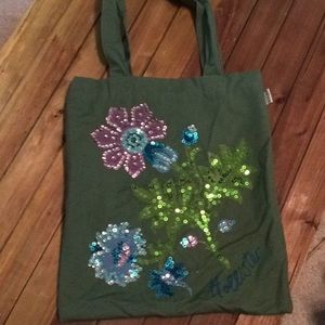Green Hollister  mini tote with  sequins